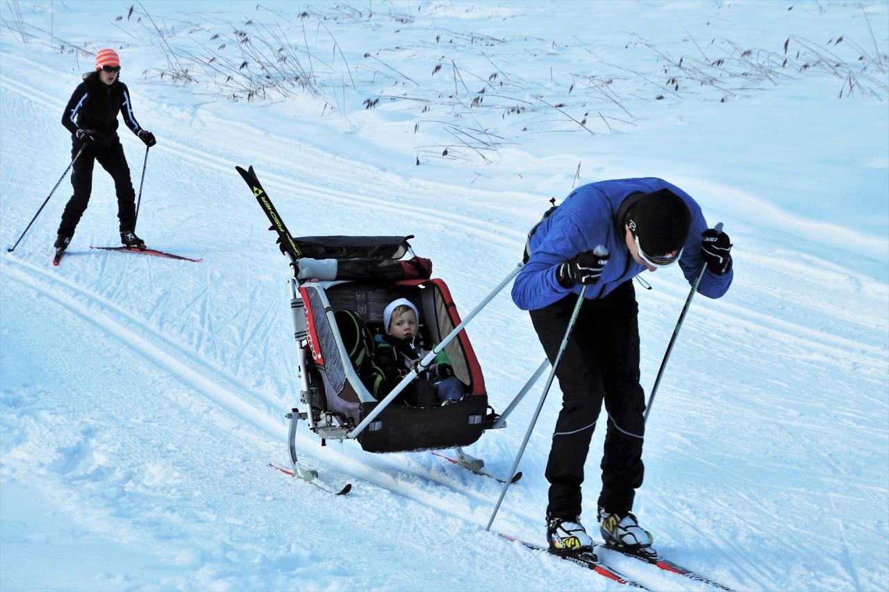 skis-4868380_1920
